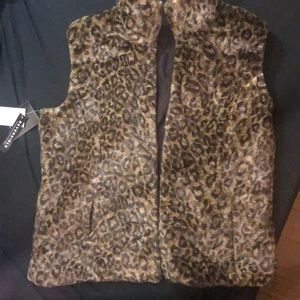 Reversible foe fur winter vest with pockets